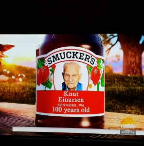Knut's photo on Smucker's Strawberry Jam 10-24-14